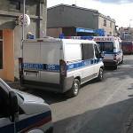 Ulica Matejki zablokowana przez policjantów i karetki pogotowia