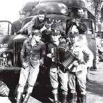 W drodze na poligon – rok 1961 (z akordeonem)