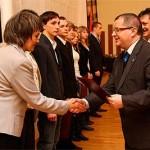 Nagrody finansowe wręczyli starosta Mariusz Roga i przewodniczący Zygmunt Zieliński. Fot pracowniafotograficzna.com