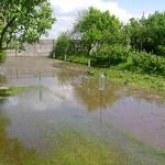 W marcu słupeckie działki były zalane wodą. Teraz grozi im susza.