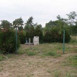 Brak ogrodzenia stanowi zagrożenie zarówno dla urządzenia, jak i dla osób i zwierząt, które ewentualnie zechciałyby tam wejść