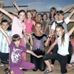Uczestnicy zajęć wraz z instruktor Kamilą Nadkowską (w środku)