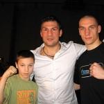 Bracia Goińscy (Kamil z prawej) na zdjęciu z Dariuszem Michalczewskim