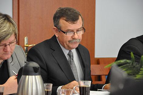 Radny Maciaszek zgłosił wniosek o odwołanie przewodniczącej