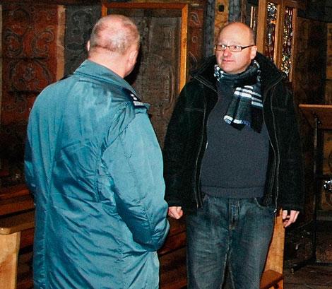 ks. Jacek Dziel stwierdził, iż z kościoła zginęły trzy gabloty z wotami, poza tym niczego innego nie skradziono i nie zniszczono