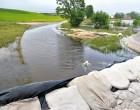 Powódź 2010 była wyniszczająca. Woda wdarła się do polderu Golina przez przerwany przewał w Kraśnicy i dotarła do zachodniej granicy gminy gdzie zatrzymała się na zaporze zbudowanej przez mieszkańców gminy Lądek