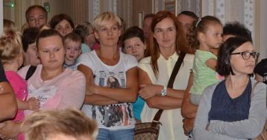 Na-otwarcie-przybyli-rodzice-nowych-słupeckich-przedszkolaków