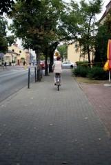 po-co-ulicą,-jak-mogę-chodnikiem