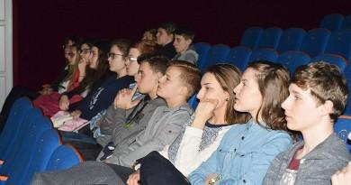 Młodzież-z-zainteresowaniem-słuchała-historii-Żołnierzy-Wyklętych