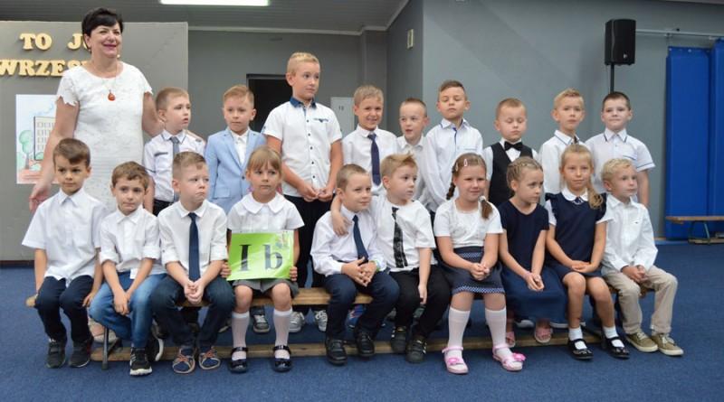 SP3-Słupca-Klasa-1b-z-wychowawczynią-Krystyną-Książszczak