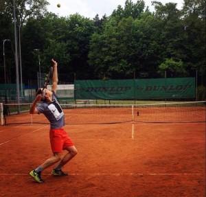 adam-tenis