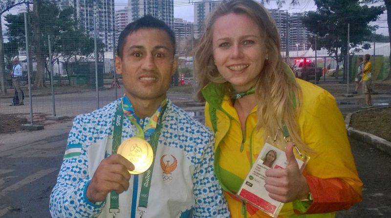 fazliddin-gaibnazarov-zloty-medalista-w-boksie-tuz-po-ceremoni-wreczenia-medali