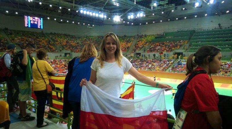 kibicujac-naszym-pilkarzom-recznym-podczas-meczu-polska-niemcy