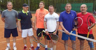 Tenisiści STT słonecznie rozpoczęli sezon