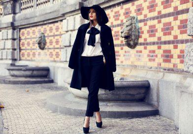 Stylowe płaszcze i trencze – 5 gotowych stylizacji