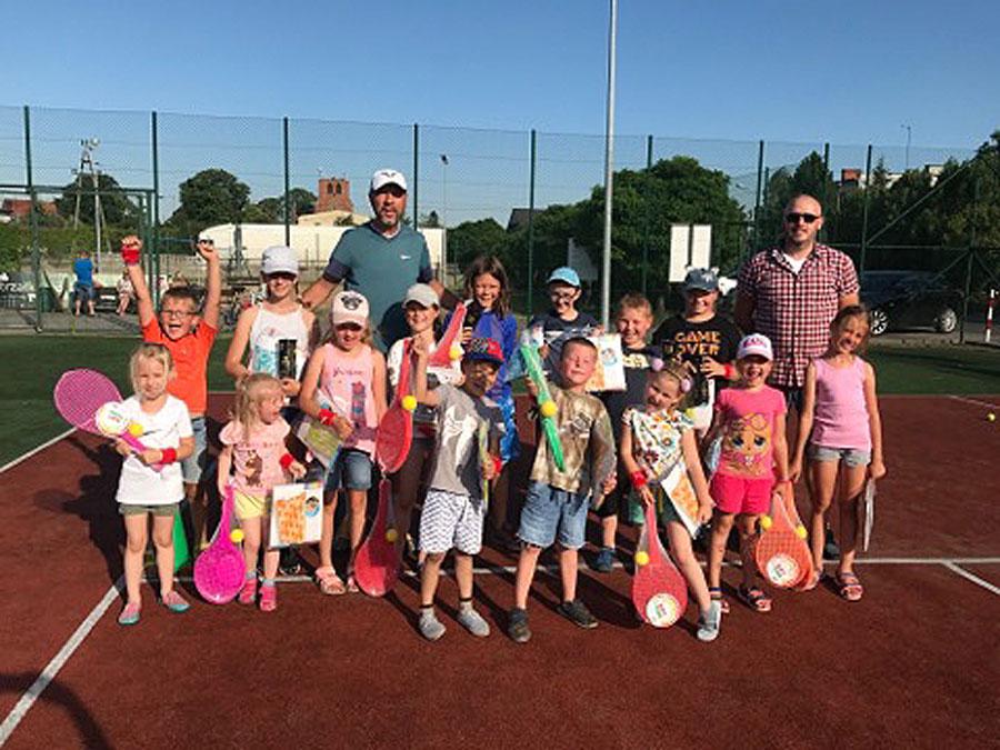 Turniej tenisowy na rozpoczęcie wakacji w Strzałkowie