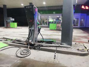 Zniszczył dystrybutor na stacji paliw