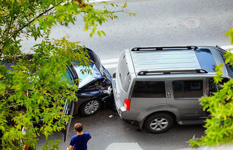 Naprawa samochodu na własną rękę – w jakich sytuacjach należy się odszkodowanie z AC?