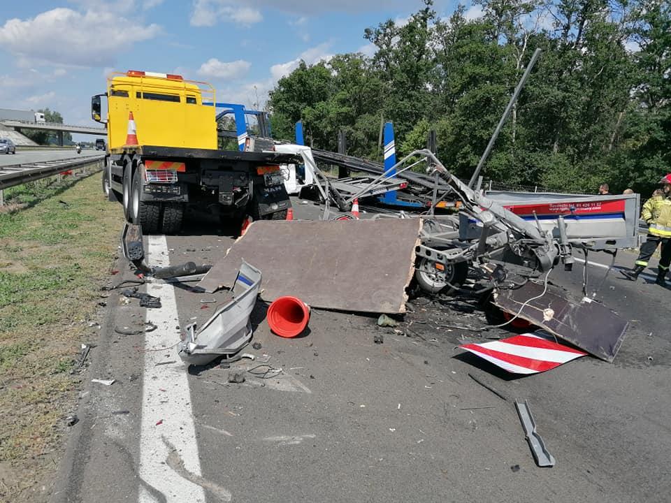 Wypadek na autostradzie, Słupca zakorkowana