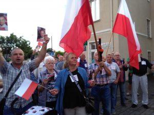 Wiec poparcia dla Andrzeja Dudy i anty-wiec zwolenników Rafała Trzaskowskiego